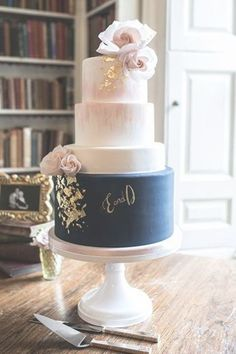 Navy blue wedding cake with gold leaf and a touch of blush wedding Cakes blue Blush Pink Wedding Cake, Navy Blue Wedding Cakes, Burgundy Wedding Cake, Big Wedding Cakes, Wedding Cake Roses, Wedding Cakes With Flowers, Wedding Cake Designs, Blue Bridal, Flower Cakes