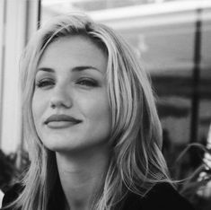 ''I'm a pretty girl who is a model but doesn't suck as an actress''-Cameron Diaz Cameron Diaz Young, Cameron Diaz Hair, Cameron Diaz Movies, Cameron Diaz Style, Pretty People, Beautiful People, Beautiful Celebrities, Actrices Hollywood, Famous Women