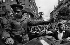 August Invasion by Warsaw Pact troops. Prague Spring, Warsaw Pact, Visit Prague, Prague Czech Republic, First Photograph, Magnum Photos, My Heritage, World History, Black And White Photography