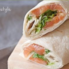 These Salmon Wraps with cream cheese and arugula are delicious, healthy and easy to take for lunch to work or on the go. These Salmon Wraps with cream cheese and arugula are delicious, healthy and easy to take for lunch to work or on the go. Wrap Recipes, Quick Recipes, New Recipes, Vegetarian Recipes, Cooking Recipes, Healthy Cooking, Healthy Snacks, Lunch Snacks, Pita Wrap