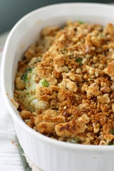 Creamy quinoa and broccoli casserole with crunchy walnut breadcrumbs. Vegan and gluten free option.