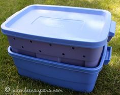 Create a worm compost bin in 10 easy steps! With video tutorial from my son (outdoor compost bin backyards) Outdoor Compost Bin, Garden Compost, Diy Compost Bin, Red Worms, Pokemon, Worm Composting, Earthworms, Organic Gardening, Gardening Tips