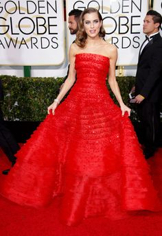 Allison Williams nails it in red Armani Privé on the 2015 Golden Globes red carpet.