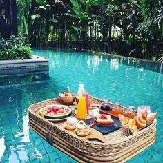 Stay At Ritz-Carlton Bali, Bali, Indonesia - Bali flitterwochen - Urlaub Travel Vlog, Asia Travel, Solo Travel, Travel Hacks, Travel Advice, Budget Travel, Travel Tips, Swimming Pool Landscaping, Landscaping Ideas