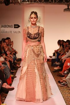 Bianka at Lakme Fashion Week Spring Summer Lakme Fashion Week 2015, Indian Lengha, Mens Designer Jewelry, Contemporary Fashion, Ethical Fashion, Indian Beauty, Lehenga, Indian Fashion, Two Piece Skirt Set