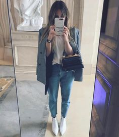 With Booties club outfits – Wardrobe Land How To Wear Ankle Boots, White Ankle Boots, White Tights, Harry Styles Boots, Red Leather Pants, Miroslava Duma, Weekend Wear, Club Outfits, Fall Winter Outfits