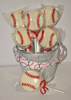 Chocolate Covered Oreo Baseball Treats~ Great for BDay Party or Game Party :) Ethan Bday Baseball Treats, Baseball Snacks, Baseball Cookies, Baseball Gifts, Baseball Season, Sports Baseball, Baseball Birthday Party, Softball Party, Birthday Parties