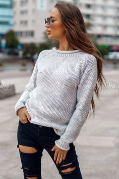 Dámsky pletený oversize sveter s rolákom v morskej modrej farbe. Baby Sweaters, Bell Sleeve Top, Stylish, How To Make, Shopping, Clothes, Collection, Things To Sell, Tops