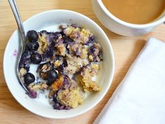 """Blueberry Banana Baked Oatmeal - heat and eat each morning. (Fresh fruit and rich, custardy oats make this baked oatmeal a filling and flavorful """"fix ahead"""" breakfast. Just heat and eat each morning! Granola, Brunch Recipes, Breakfast Recipes, Breakfast Ideas, Brunch Ideas, Breakfast Casserole, Baked Oatmeal, Baked Banana, Oatmeal Bars"""