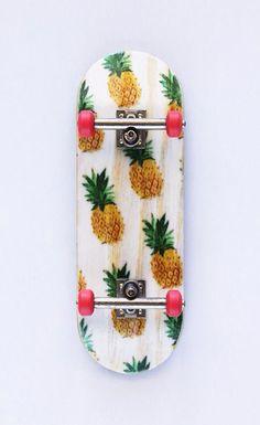 Pineapple art skateboard