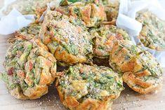 Hartige muffins met spinazie – Nadia's Healthy World Tandoori Chicken, Salmon Burgers, Lunches, Baked Potato, Brunch, Diet, Snacks, Baking, Healthy