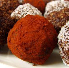 Pocak Panna paleo konyhája: Gourmet csokoládé bonbon: a bűntudat nélküli nasi (glutén-, laktóz-, és cukor mentes)
