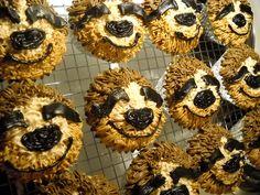 Sloth Cupcakes! by sam.is.rad, via Flickr