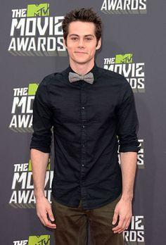 Dylan O'Brien es uno de mis actores favoritos. Él es en la programa Teen Wolf, que es uno de mis favoritos. También, él es muy cómico.