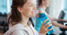 A megfelelően működő anyagcsere valamennyi testi sejtet ellát mindennel, amire szüksége van, a salakanyagokat kiűzi a testből, lassan, de biztosan leépíti a fölösleges kilókat és a könnyedség érzését hagyja Water Bottle, Drinks, Water, Food, Alcohol, Drinking, Beverages, Water Bottles, Drink