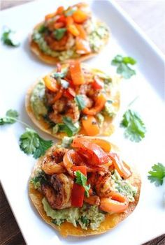 Simple Shrimp and Guacamole Tostadas. I love guacamole and shrimp! I should try these tostadas Think Food, I Love Food, Good Food, Yummy Food, Fun Food, Shrimp Recipes, Appetizer Recipes, Mexican Food Recipes, Appetizers