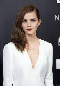 """Emma Watson - Première du film """"Noah"""" au cinéma Palafox à Madrid, le 17 mars 2014."""