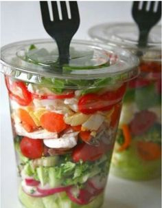 Picnic Ideas- Use a plastic drink container to pack a salad