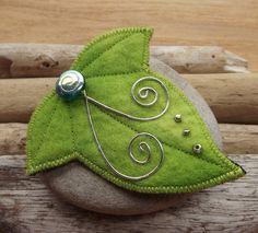 Ivy Leaf Brooch Pin Cloak Clasp Felt  $18.97