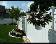 Love this idea. Want to do this on my empty boring fence.