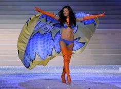 Adriana Lima at 2011 Victoria's Secret fashion show | #VSFS_2011