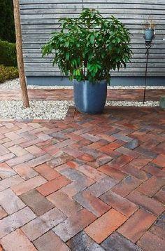 Gardenplaza – Individual pavers enhance the exterior – Perfection through irregularity - Pergola, Indian Doors, Backyard, Patio, Outdoor Pavers, Brick Pavers, Garden Spaces, Atrium, Garden Inspiration