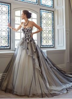 Ball-Gown Strapless Sweetheart Cathedral Train Organza Wedding Dress With…