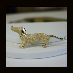 14K Yellow Gold Dachshund Pin