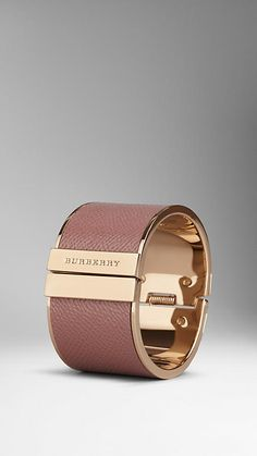 BURBERRY - LONDON LEATHER CUFF