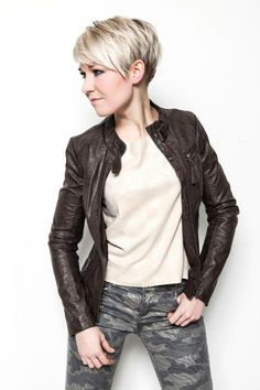 pixie cut with undercut on side 2