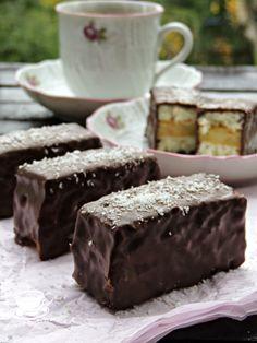 Dessert Bars, Dessert Recipes, Desserts, Scones, Chocolate Cake, Sweets, Cookies, Food, Winter