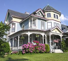 Victorian style house  7 BR, 3 BA, 4,655 sq. ft., built in 1884