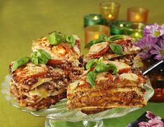 Varm smörgåstårta med köttfärs recept Sandwich Cake, Sandwiches, Ibs Diet, Meatloaf, Salmon Burgers, Bon Appetit, Allrecipes, Guacamole, Baked Potato