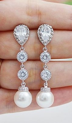 Gorgeous....  Pearls and Diamonds
