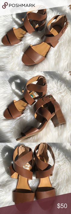 Tommy Hilfiger Sandals Tommy Hilfiger beautiful brown block heels sandals complete with gold zipper and a gold TH logo Tommy Hilfiger Shoes Sandals