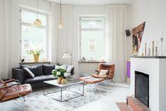 Cortinas blancas salón estilo escandinavo : via MIBLOG