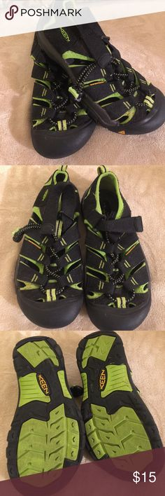 EUC Keen waterproof sandals Black with lime green great condition Keen Shoes