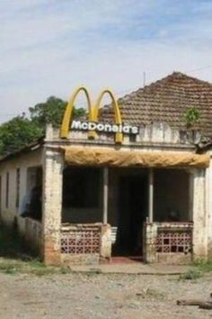 """abandoned mcdonalds - and with the CRAP they serve that they interestingly call """"food"""", they should ALL look like this! Abandoned Buildings, Abandoned Property, Abandoned Mansions, Old Buildings, Abandoned Places, Abandoned Amusement Parks, Haunted Places, Spooky Places, Ghost Towns"""