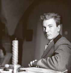 Thomas Bernhard, ca. Thomas Bernhard, Popular People, Book Writer, Playwright, Short Stories, Portrait Photography, Writers, February 9, Central Europe
