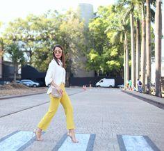camila coelho look mustard trouser and sweater 2