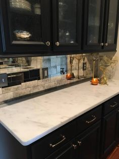 38 ideas kitchen backsplash ideas glass mirror tiles for 2019 Antique Mirror Splashback, Mirror Backsplash Kitchen, Antique Mirror Glass, Antiqued Mirror, Backsplash Ideas, Kitchen Furniture, Kitchen Dining, Glass Furniture, Gothic