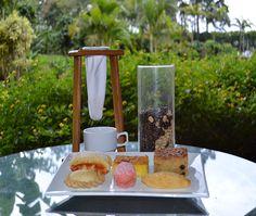 Deléitese con diferentes tipos de café de Costa Rica acompañados de una tentadora variedad de repostería.
