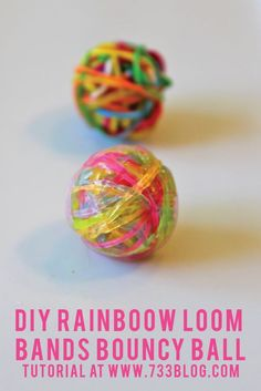 DIY Bouncy Ball using Rainbow Loom Bands. Finally something I can do with all of my Rainbow Loom bands! Rainbow Loom Patterns, Rainbow Loom Creations, Rainbow Loom Bands, Rainbow Loom Charms, Rainbow Loom Bracelets, Rainbow Loom Easy, Rainbow Loom Tutorials, Cute Crafts, Crafts To Do