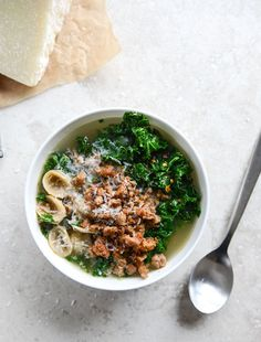 Spicy Sausage, Kale and Whole Wheat Orecchiette Soup I howsweeteats.com