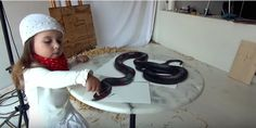 Stefan Pabst 3D painting...the snake is painted on a paper but it looks so real!