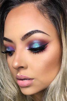 Amazing Glitter Christmas Makeup Ideas ★ See more: http://glaminati.com/glitter-christmas-makeup/ #makeuplooksglitter #creativemakeuplooks