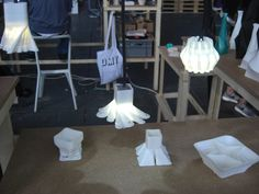 DMY-Festival - 3D-Drucker - ceramic fluid (powder mixed with water) -> small products