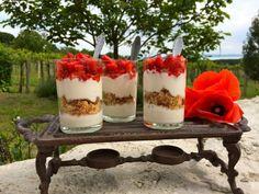 N.Y. cheesecake a pohárban – hűsítő epres desszert | Sütit akarok!