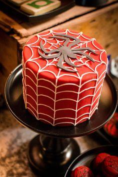 Simple Spiderman cake (via The Wedding Co.)