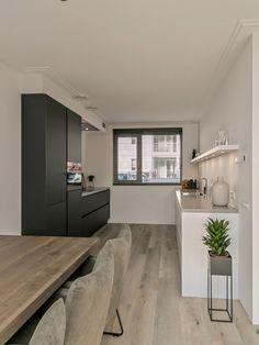 Kitchen Room Design, Kitchen Interior, Kitchen Decor, Parallel Kitchen Design, Kitchen Rules, Apartment Projects, Love Home, Home Living Room, Home Kitchens